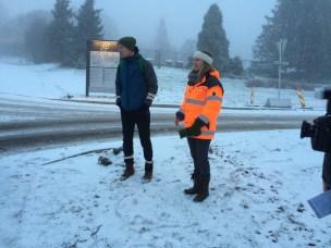 Rektor Mari Sundli Tveit og studenttingsleder Lasse Hjelle oppfordrer til forsiktighet i en tid med store anleggsarbeider på Campus Ås.