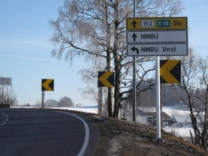 NMBU vest, innkjøring skiltes.