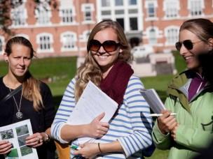 Alle er velkommen til Fakultet for landskap og samfunns gradsdag 19. juni hvor studentene presenterer sine gradoppgaver. Kanskje finner du bedriften din sin drømmekandidat?