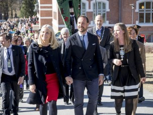 Kronprinsparet fikk en smakebit av NMBU-forskning