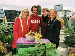 Programleder Hege Iren Hanssen , daglig leder i Nabolagshager Helene Gallis, bybonde på Losæter Andreas Capjon og rektor Mari Sundli Tveit .