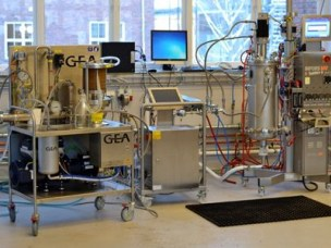 Filtration equipment and 30 L fermentor in the biorefinery laboratory
