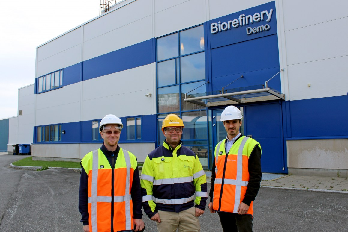 Foods of Norway and Borregaard are working together to develop novel, Norwegian feed that is viable in the market. From the left: Gergely Kòsa (researcher, NMBU), Oskar Bengtsson (Section Manager, Borregaard`s Business Development R&D) and David Lapeña Gómez (PhD-student, NMBU).