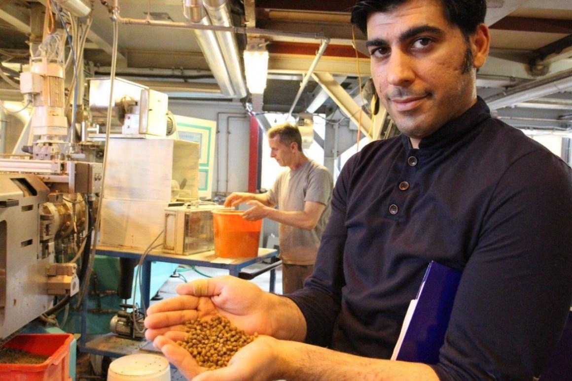 Rouzbeh Keihani with feed containing 5 percent macroalgae.